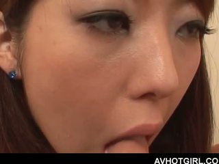 Erotisk asiatisk skole dukke giving blowjob og getting boo