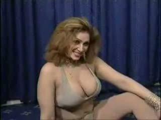 Pakistanez bigboobs aunty nud dance în ei dormitor