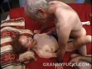 Raw vecmāte trijatā