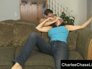 Charlee chase vázaný tickled a noha fucked!