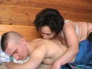 Пиян руски майка seduces на youth