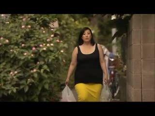 ผู้หญิงไซส์ใหญ่: เอเชีย ด้วย a ใหญ่ ตูด