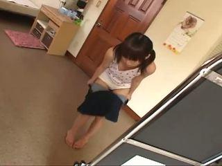 morena, joven, japonés