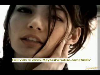 Tina yuzuki innocent kinesiska flicka avsugningar och gets cumshoot