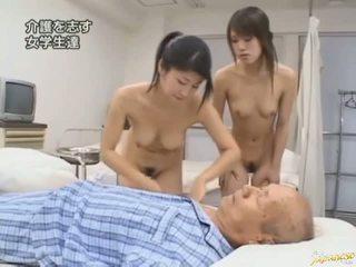 Asiatiskapojke babes hårdporr