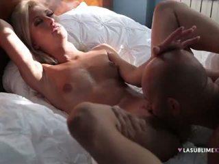 Uma blondīne eņģelis veikt liels dzimumloceklis! <span class=duration>- 5 min</span>
