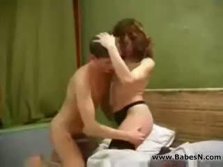 Russisch rijpere aunty seks met jong jongen