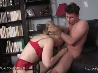 Nina hartley van egy slutty corporate stepmother - porn videó 551
