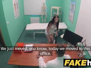 Fake ziekenhuis tenger italians insomnia solved via seks en sperma swallowing