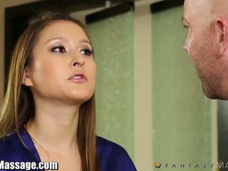 Nuru massagem membro fantasy quente mãe gets oleada e facialed