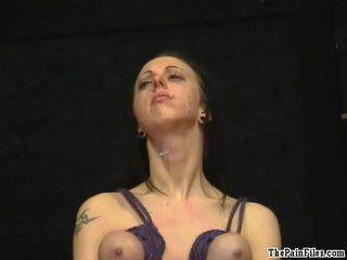 Pīrsings mokas un breast hanging sadism no liels titted bondman nymph emily sharpe uz freaky verdzība, tears un milzīgs raw sāpe