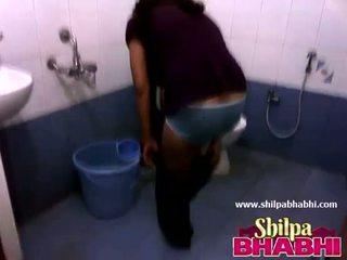 Indiai bejárónő shilpa bhabhi forró zuhany - shilpabhabhi.com