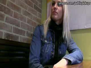 Carina bionda ceco ragazza paid per hardcore sesso con stranger
