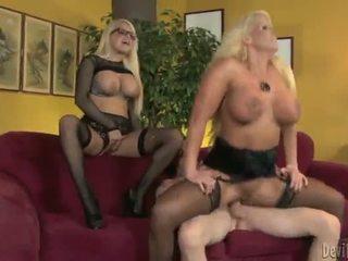 Alura jenson और jacky joy two बड़ा titted blondes having shaged