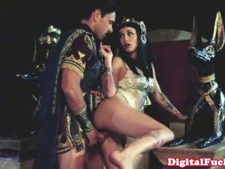 Cleopatra sikiş another roman dude