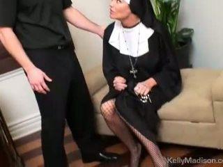 Kelly madison bestraft met een thick lul in poesje