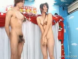 Chick Nude jap plays sexgames