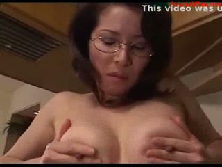 Milf fucked facial in the gym