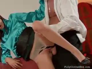 সেক্সি sluts dressed থেকে যৌনসঙ্গম