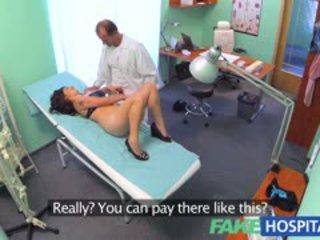 Fakehospital ベトナムの 患者 gives 医師 a セクシャル reward