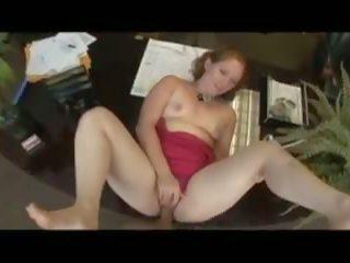 紅發 母狗 gets 性交 在 該 辦公室 同 深.
