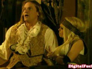 Порно звезда abbey brooks в анално костюм оргия