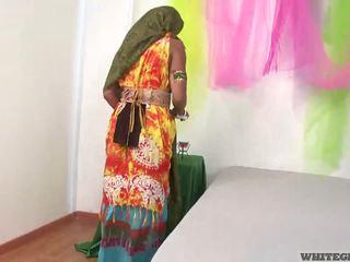 Vakker indisk kone suging muscle penis