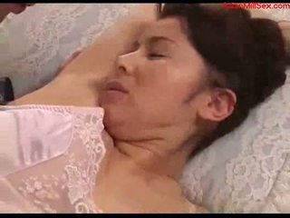 Tettona milf con tied arms licked fingered stimualted con a