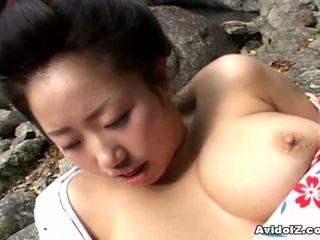 Seksuālā geisha kotone yamashita fucked grūti