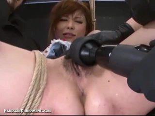 Ekstrem alat kemaluan wanita punishment dengan terangsang jepang dan dia berbulu alat kemaluan wanita