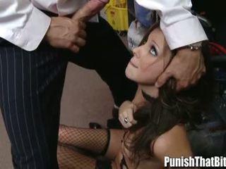 Pusaudze gets pārmācītas līdz viņai boss