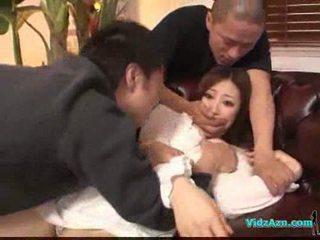 Asiatic fata în alb rochie getting ei tate rubbed pasarica linge