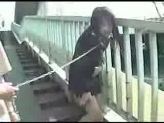 Joven japonesa mamá shitting everywhere vídeo