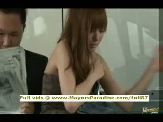 Rio innocent asiatic fata este inpulit pe the autobus