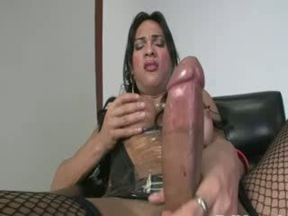 Titty tgirl in Pantyhose in leather