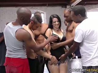 Katrina jade sucks muitos negra cocks