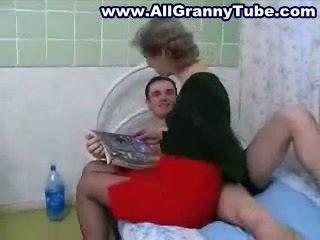 Babičky a grandson zkurvenej