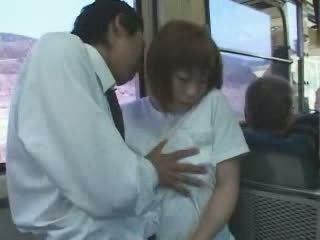 Matura giapponese tettona mamma tastata e scopata in autobus video