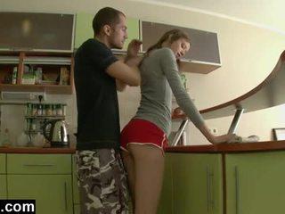 În primul rând timp anal în the bucatarie