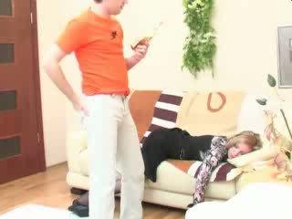 Ubriaco dormire mamma anale scopata video