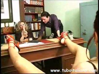 Piss; italiaans female manager