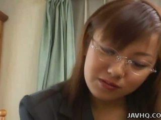 Krūtainas japānieši skaistule fucked pie mājas uncensored