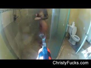 Wasser waffe angriff auf christy mack als sie takes ein dusche