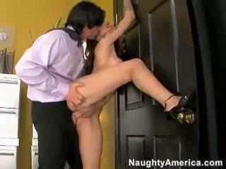 hardcore sex, prunc, sânii mari
