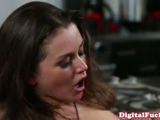 fresh brunette most, online booty, storyline most