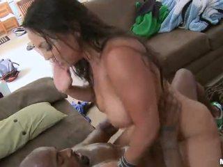 Sexy milf adriana lima baisée dur par une noir bite vidéo