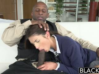 Blacked real modelo august ames loves negra polla