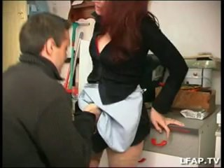 La femme de menage defoncee par le pro...