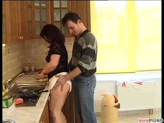 Brunette honey gets a cooking lesson 1/5