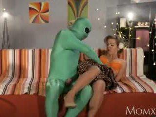 alien, mature, mom